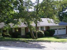788 Ridgewood Dr, Coshocton, OH 43812