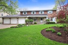 1692 Longvalley Dr, Northbrook, IL 60062