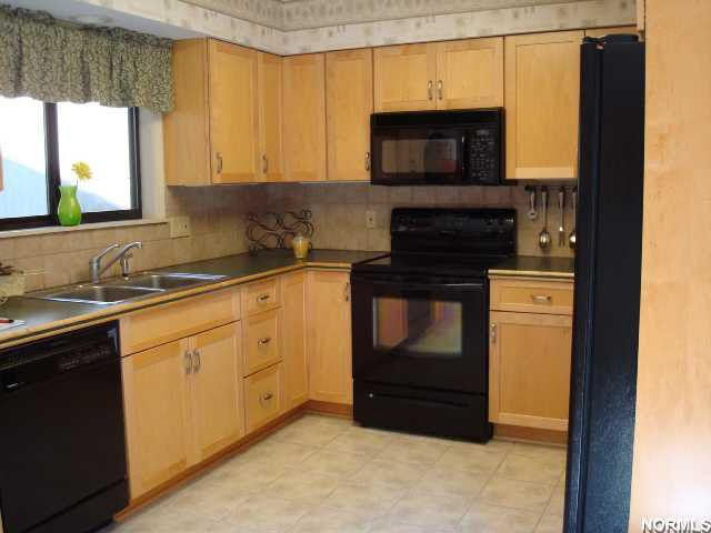 17606 eastbrook trl chagrin falls oh 44023 for M kitchen chagrin falls