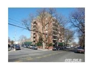6188 Dry Harbor Rd Apt 4K, Middle Village, NY