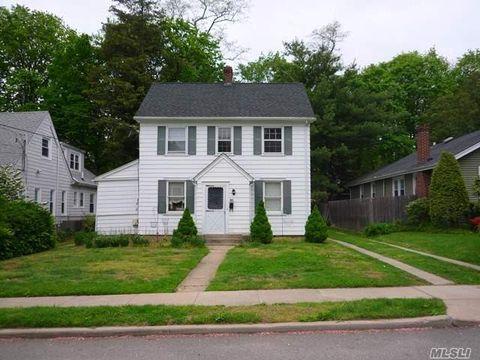 35 Grandview St Unit 1 St, Huntington, NY 11743