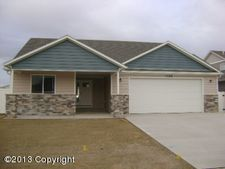 1215 Big Sky St, Gillette, WY 82718