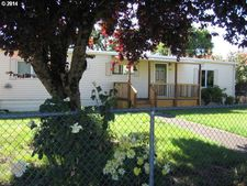 1418 32nd St, Springfield, OR 97478