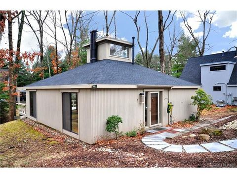 3 Edgewood Cir, Avon, CT 06001