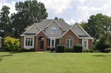 297 Waters Edge Dr, Winchester, TN 37398