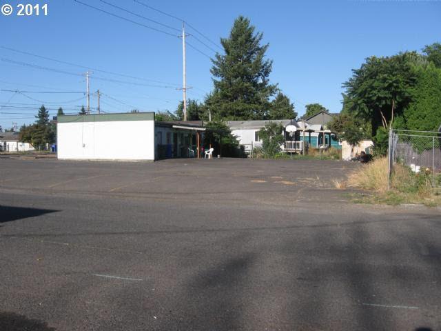 8407 NE Fremont St, Portland, OR
