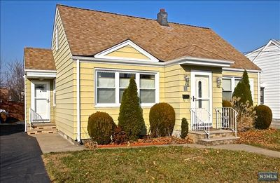 35 Garwood Ct S, Garfield, NJ