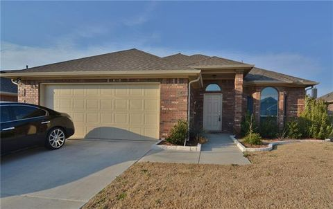 421 Windridge Dr, Little Elm, TX 75068