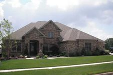 8397 Lakeside Dr, Findlay, OH 45840