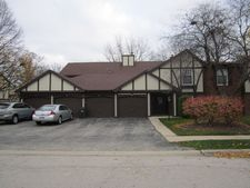 4900 Kimball Hill Dr Apt A2, Rolling Meadows, IL 60008