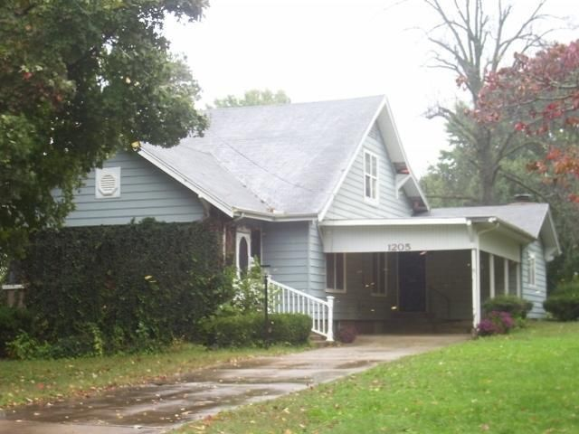 1205 13th st monett mo 65708 home for sale and real for The family room monett mo