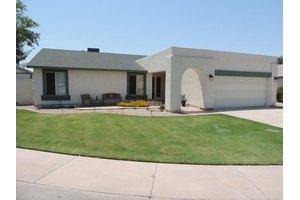 10057 W Minnezona Ave, Phoenix, AZ 85037