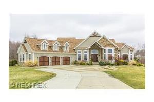 13555 Walking Stick Ln, Chardon, OH 44024