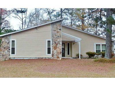 7300 Buck Creek Dr, Fairburn, GA