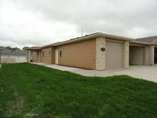 2504 Michael Ln, Mandan, ND 58554