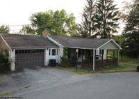 1315 Robin Lane St, Fairmont, WV 26554