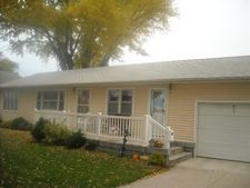 911 3rd St, Silver Creek, NE 68663
