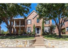 715 Water Oak Dr, Garland, TX 75044