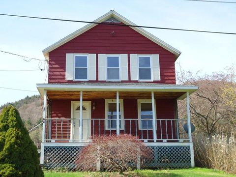 25 Pine St, South Lee, MA 01260