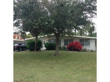 1643 Livingstone St, Sarasota, FL 34231