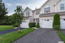 1403 Willow Pond Dr, Riverhead, NY 11901