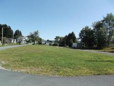 Delaware St, Forest City, PA 18421