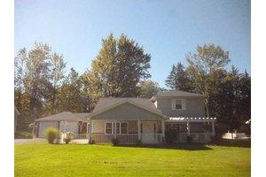 89 North Ln, Evans, NY 14006