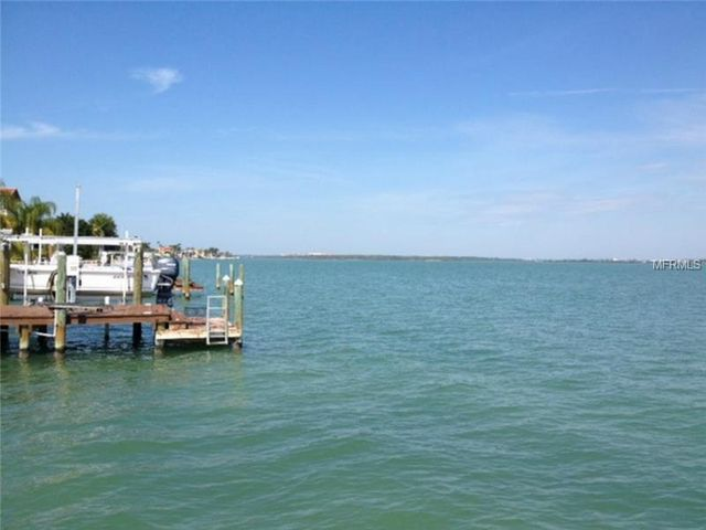 11205 9th st e treasure island fl 33706 for Fishing treasure island florida