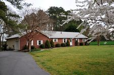 157 Twin Cove Ln, Ophelia, VA 22472