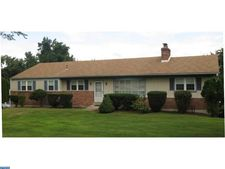 1121 Yankee Dr, Downingtown, PA 19335