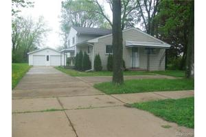 628 W Woodside Ave, Madison Heights, MI 48071