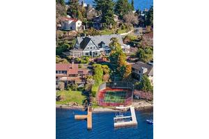 3008 Webster Point Rd NE, Seattle, WA 98105