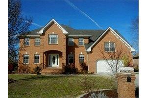 120 Avonlea Dr, Chesapeake, VA 23322