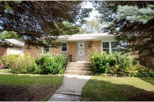 545 Wesley Ave, Evanston, IL 60202