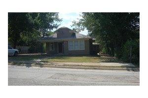 514 Pierce St, Denton, TX 76201