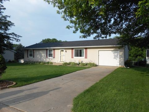 Photo of 527 Terrace Dr, Blue Grass, IA 52726