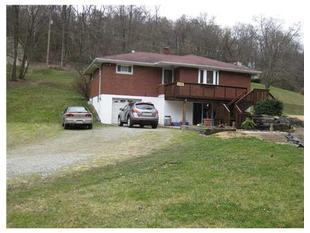 4588 Liberty Way, Elizabeth, PA