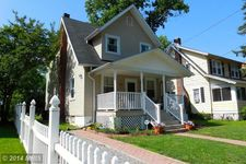 607 St Dunstans Rd, Baltimore, MD 21212