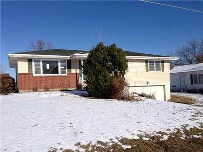 3721 Maplewood Dr, Saint Joseph, MO