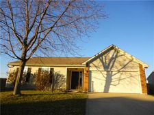 1046 Mosswood Cir, Franklin, IN 46131