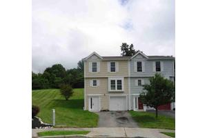 46 Helen Ct, Beacon, NY 12508