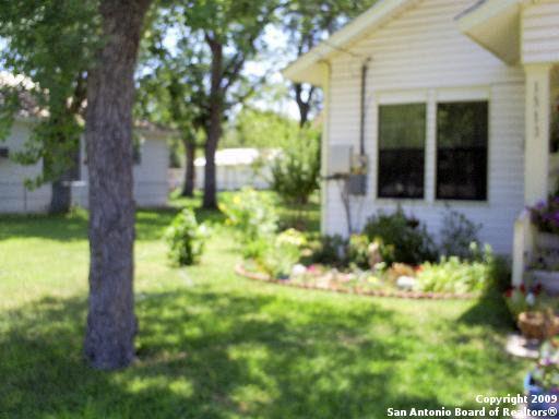 1513 N Main St, Pleasanton, TX 78064 - realtor.com®