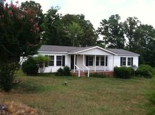 524 Kelly Rd, Carthage, NC 28327