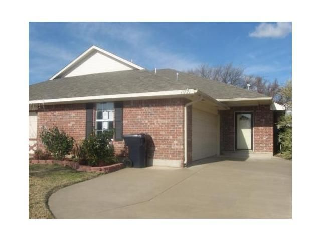 Homes For Sale With A Pool In Yukon Ok
