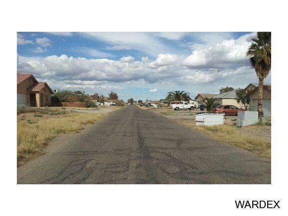9954 S Phoenix Dr, Mohave Valley, AZ 86440