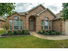 10104 Merrill Ln, Fort Worth, TX 76177
