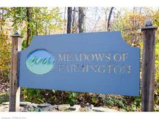 26 Farmington Meadow Dr, Farmington, CT 06032