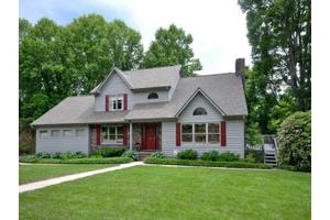 5 Spring Cove Ct, Arden, NC 28704