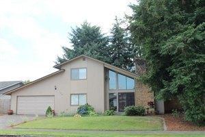 109 Villa Rd, Kelso, WA 98626
