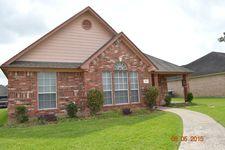 149 Silverbell Cir, Lake Jackson, TX 77566
